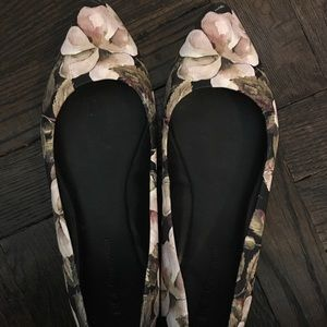 Bcbg flower printed pointed toe flats